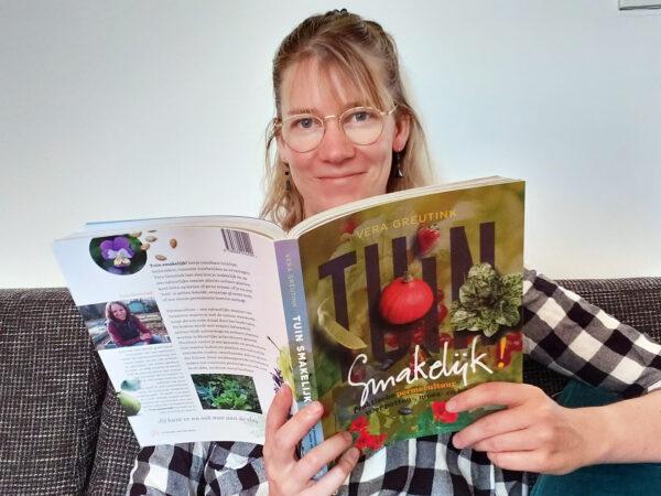 Recensie 'Permacultuur in je moestuin' en 'Tuin smakelijk'